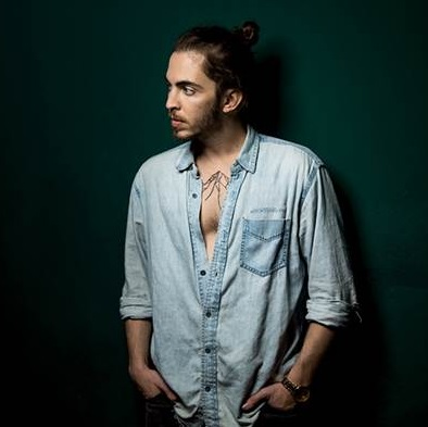 Dennis Lloyd, fenomeno pop con Nevermind