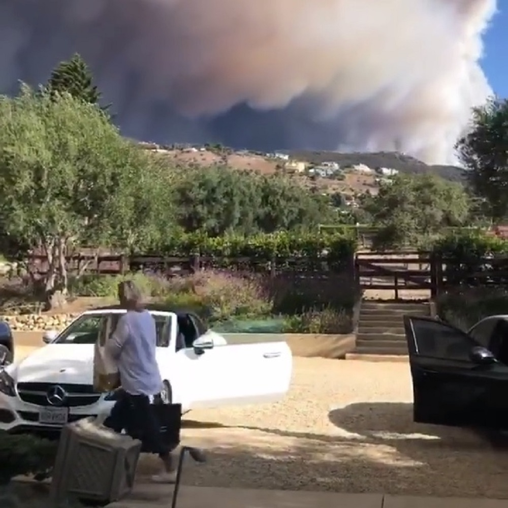 Incendio in California, in fuga anche Lady Gaga e Will Smith