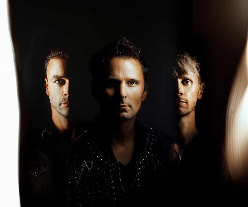 Muse, ecco il nuovo singolo Something Human