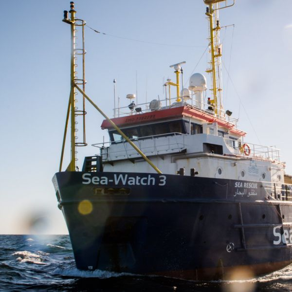 Sea Watch 3 entra in acque italiane nonostante diffida
